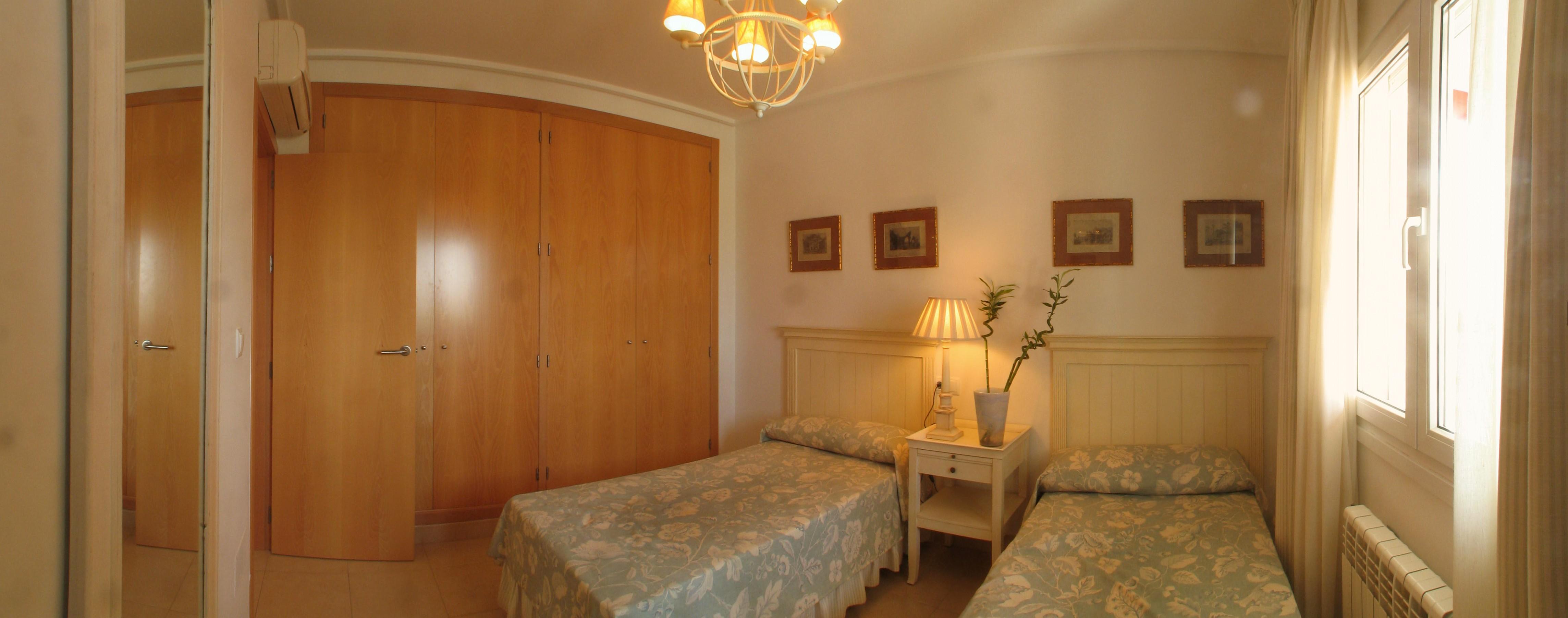 Ferienwohnsitz haus golf spanien schlafzimmer unten - Panoramabild schlafzimmer ...