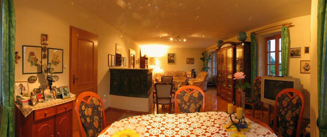 Wohnzimmer im sonnenhaus in halbenrain for Panoramabilder wohnzimmer